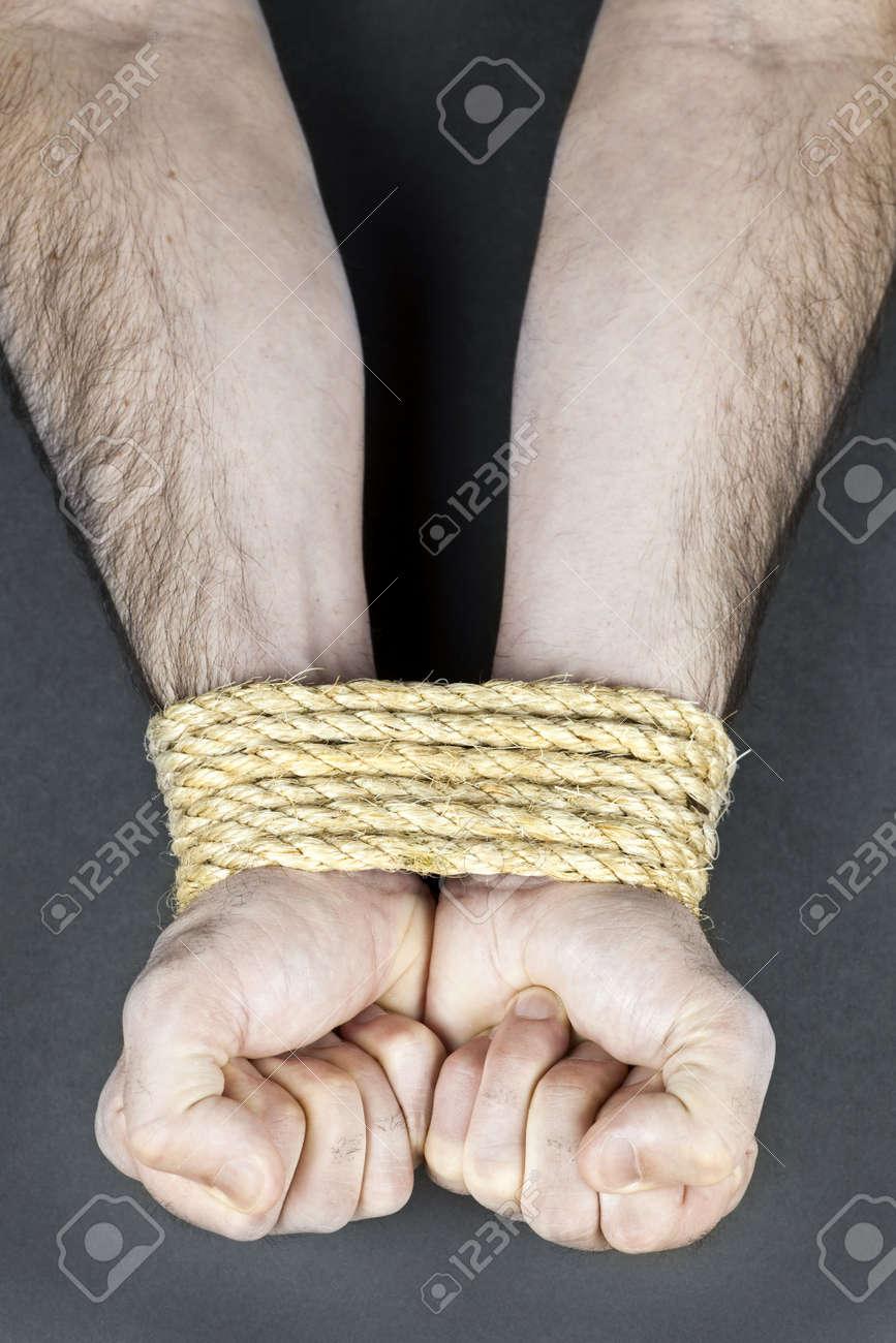 Связать веревкой женщину 22 фотография