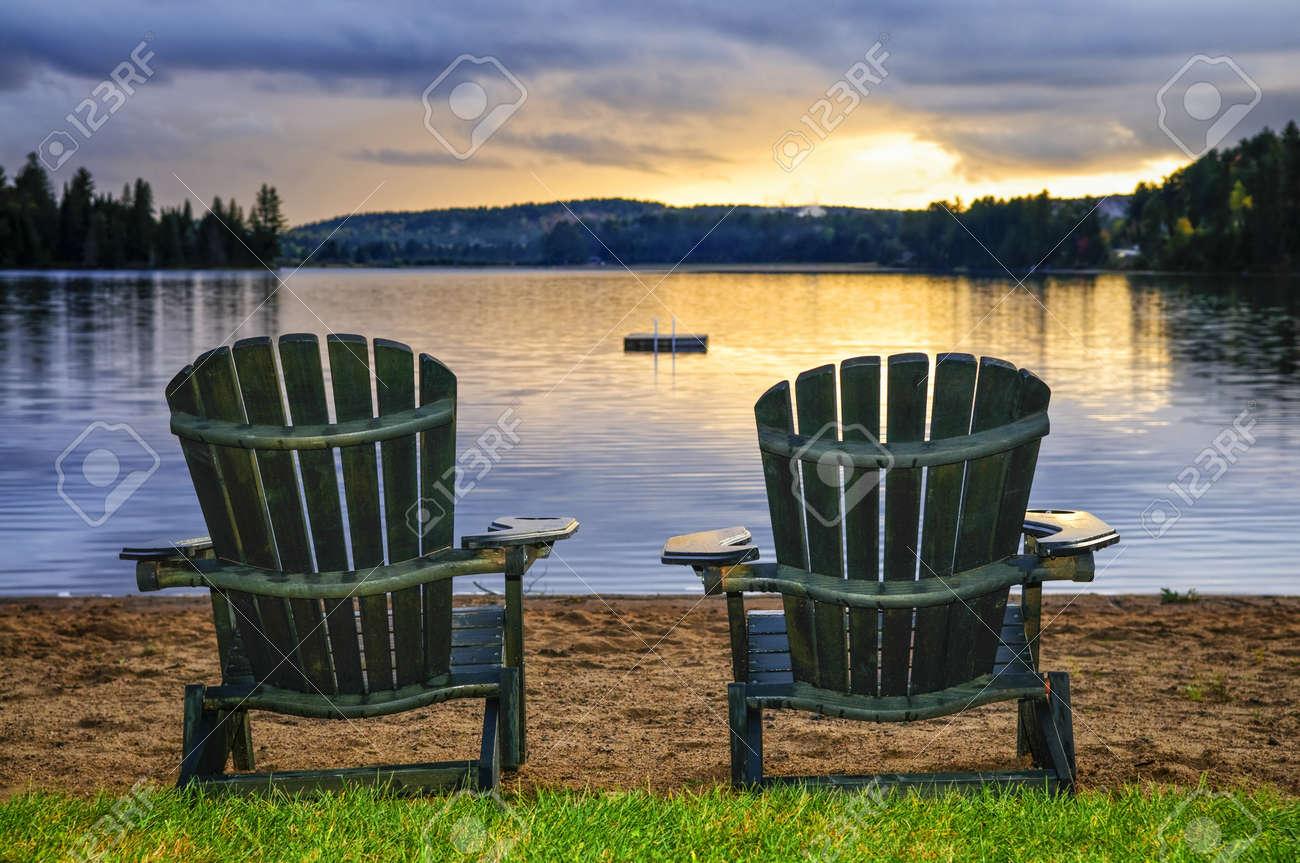 Muskoka Chair Foto Royalty Free, Immagini, Immagini E Archivi ...