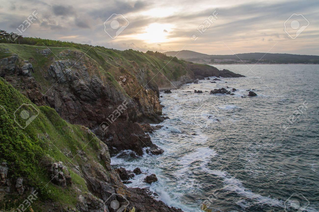 ocean, meadows and cliffs Horizontal shot - 20882595