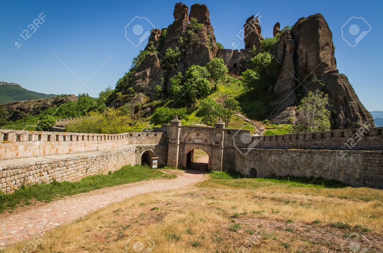 The main entrance to the famous Belogradchik fortress in Bulgaria. - 21049719