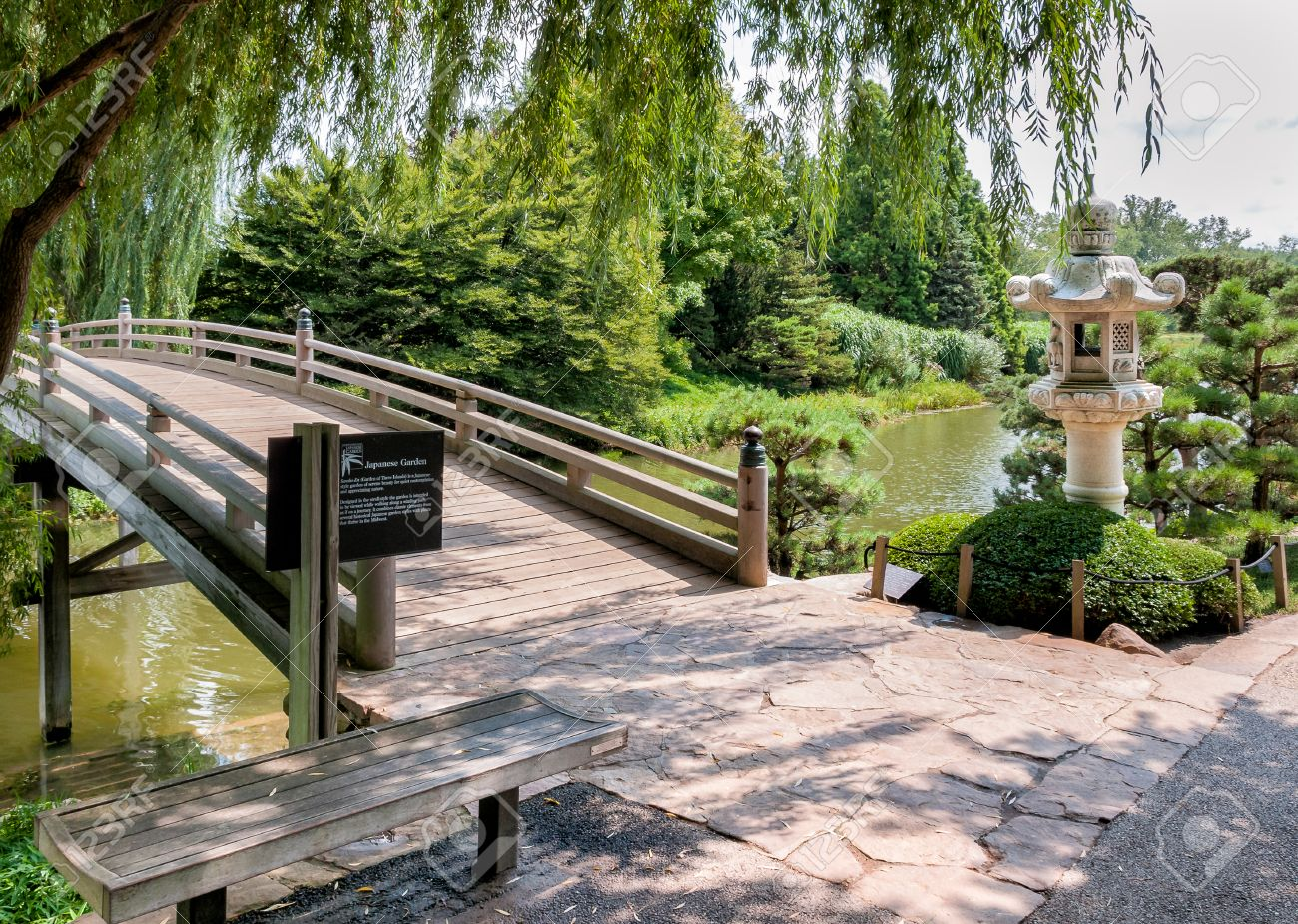 Chicago Botanic Garden, Bridge In The Japanese Garden Area Stock Photo    37356937