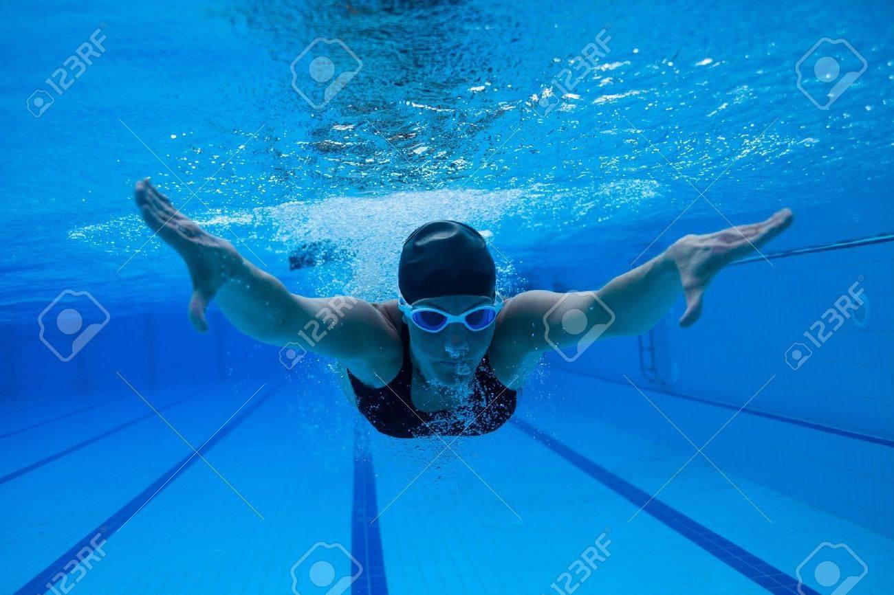 Вбассейне под водой онлайн фото 537-480