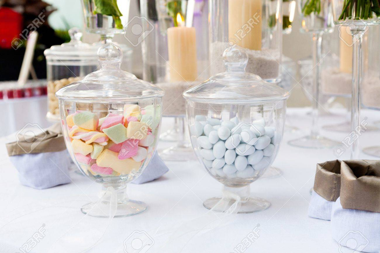 Surprising Many Candy In The Vases Interior Design Ideas Grebswwsoteloinfo