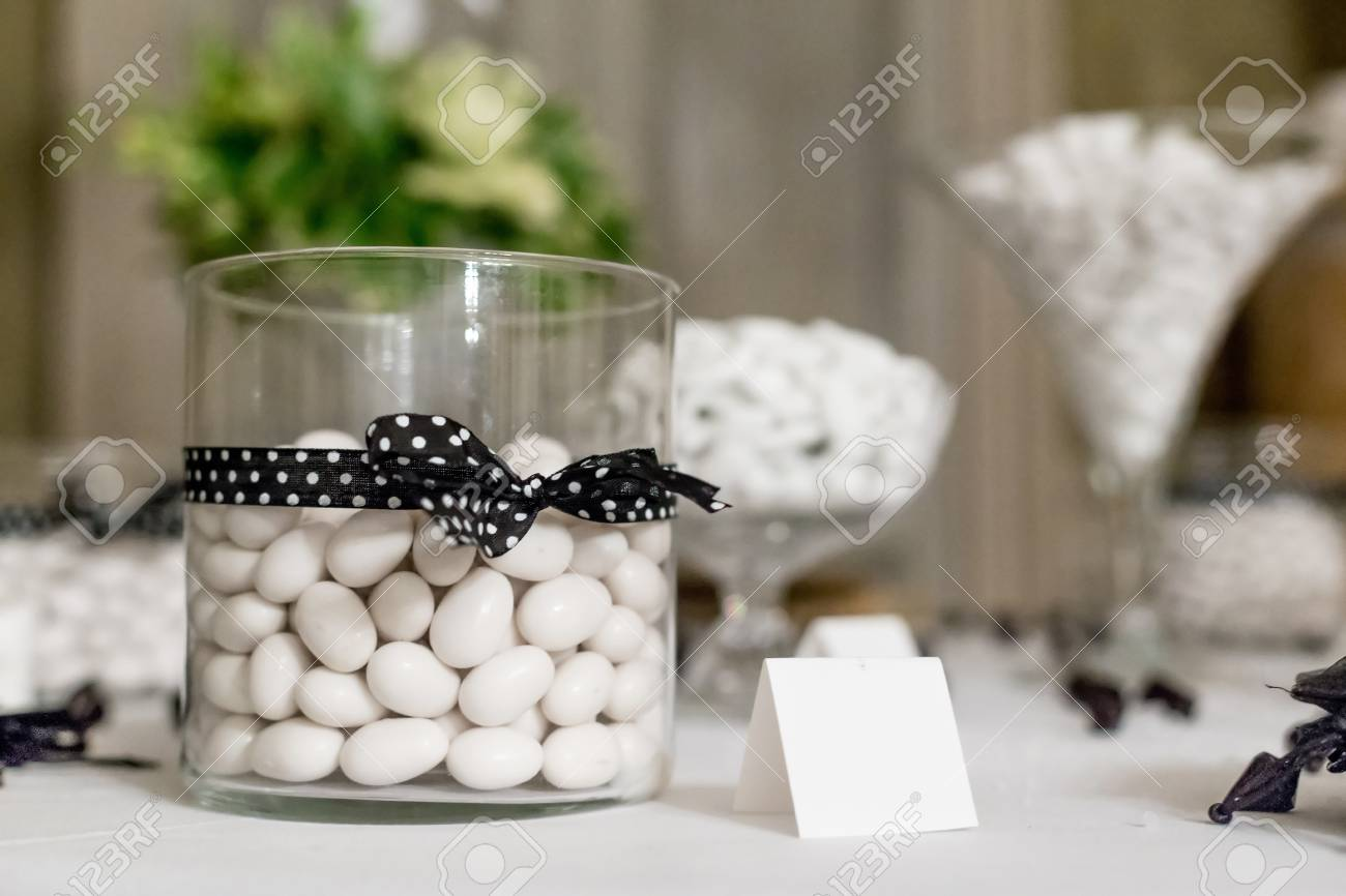 Hochzeitsgeschenke Fur Die Gaste Lizenzfreie Fotos Bilder Und Stock