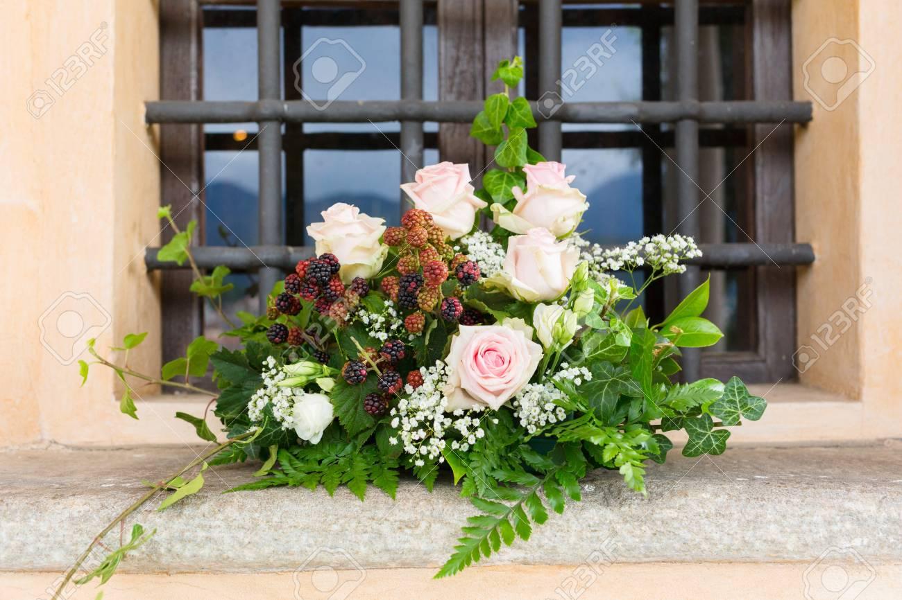 Schone Blumen Hochzeit Dekoration In Einer Kirche