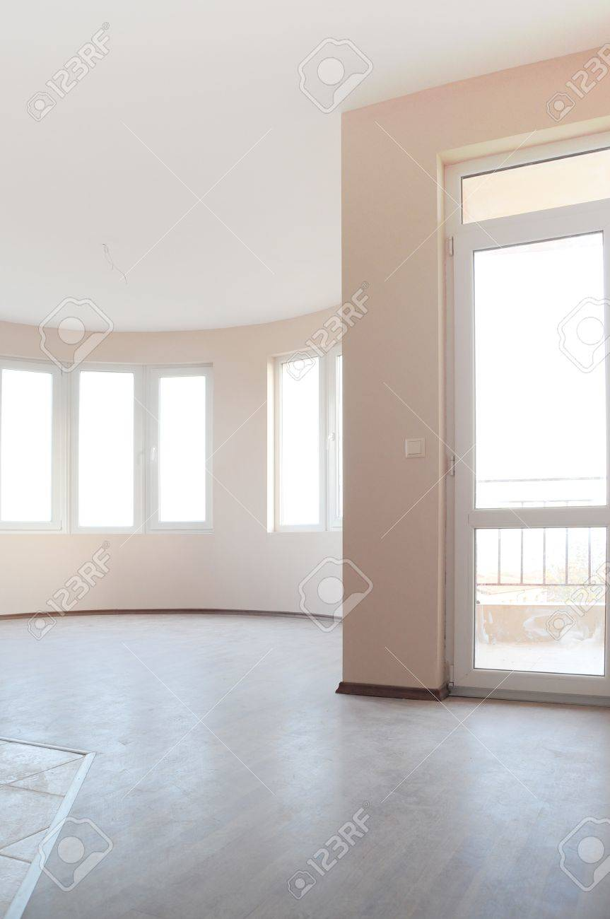 Empty newly painted room in a new constructed building Stock Photo - 12131239