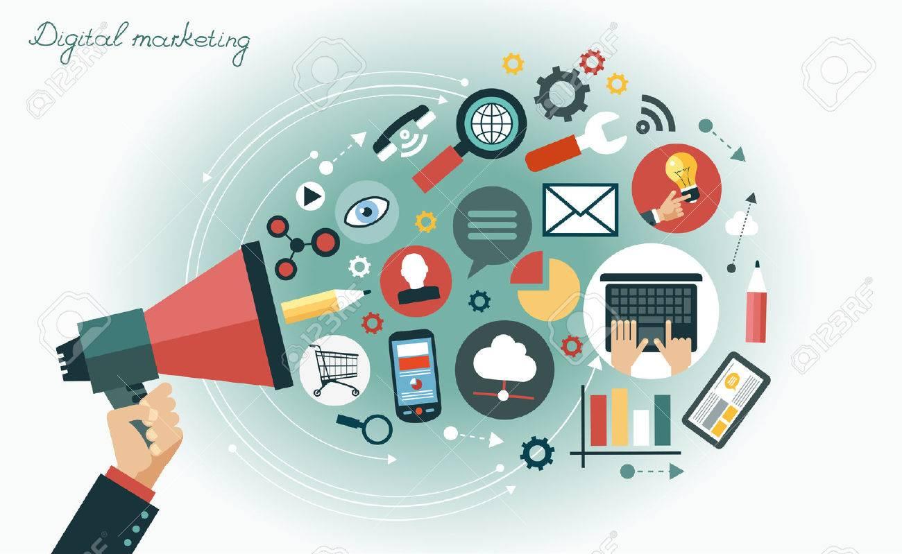 Digitale Marketing-Konzept. Menschliche Hand, die mit einem Megaphon durch media icons umgeben Standard-Bild - 46515317