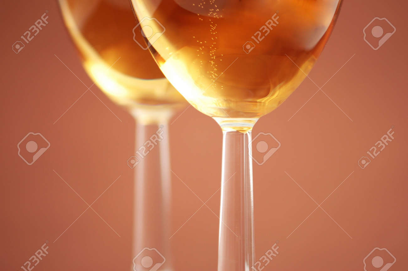 Two wine glasses with shallow depth of field Stock Photo - 1729416