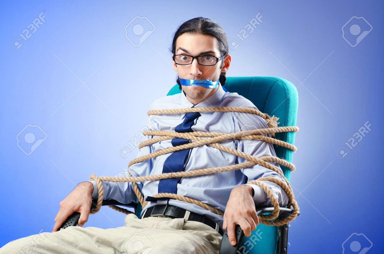 Résultats de recherche d'images pour «tied chair »