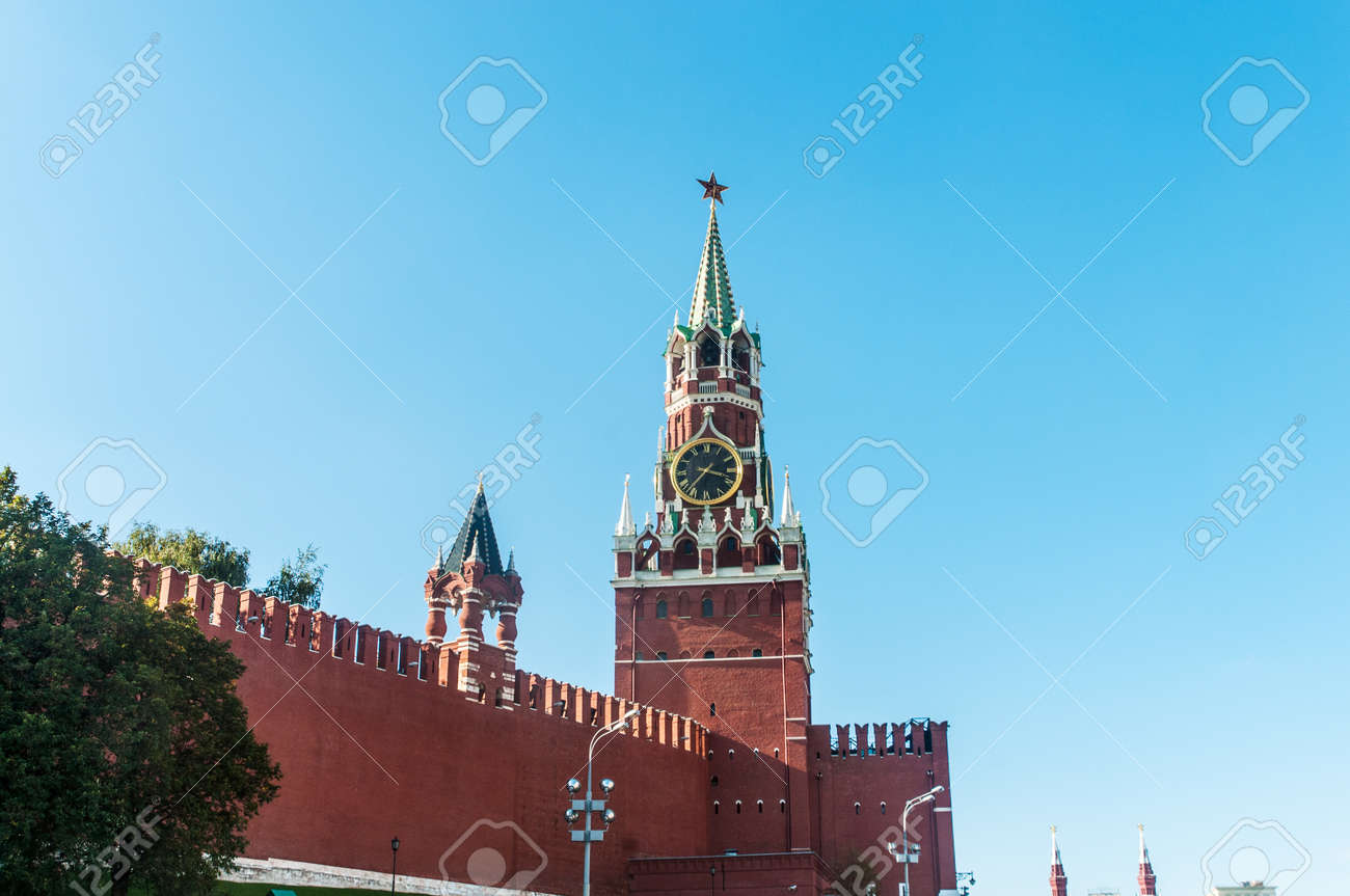Famous tower of Moscow Kremlin Stock Photo - 18744567