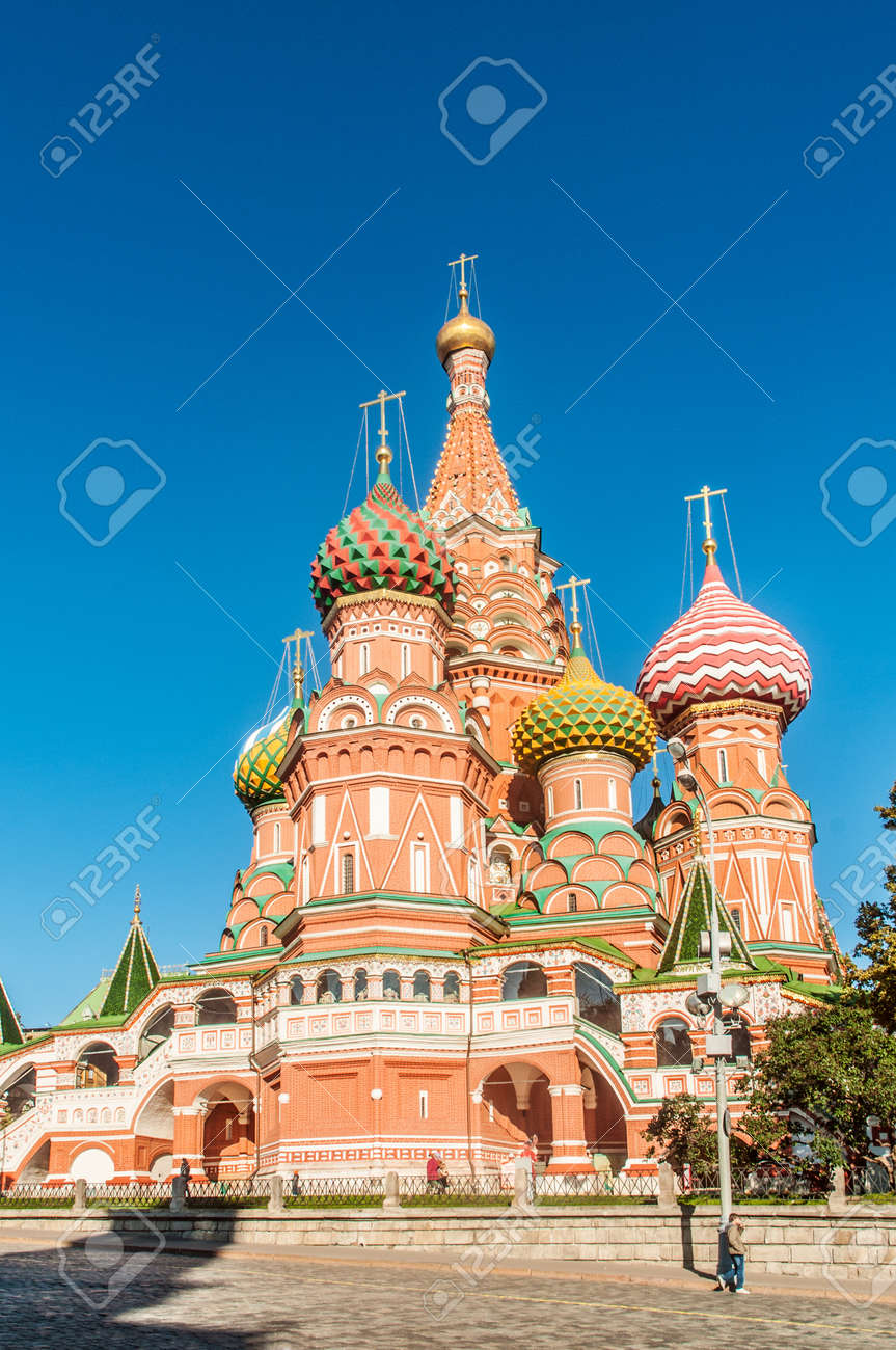 Famous st Vasily Blessed cathedral in Moscow Stock Photo - 19331035