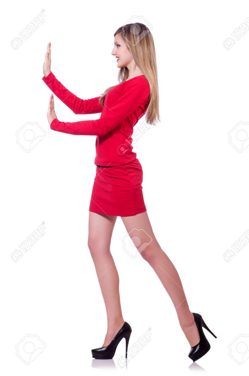 Korte Rode Jurk.Jong Blonde Meisje In Rode Jurk Korte Duwen Op Wit Wordt Geisoleerd