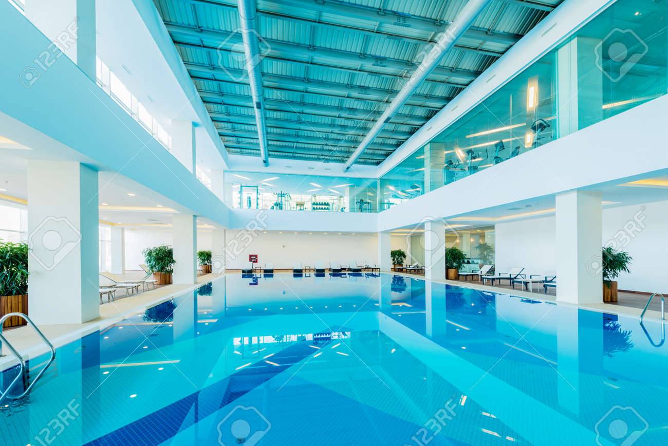 Indoor swimming pool in healthy concept Stock Photo - 43826228