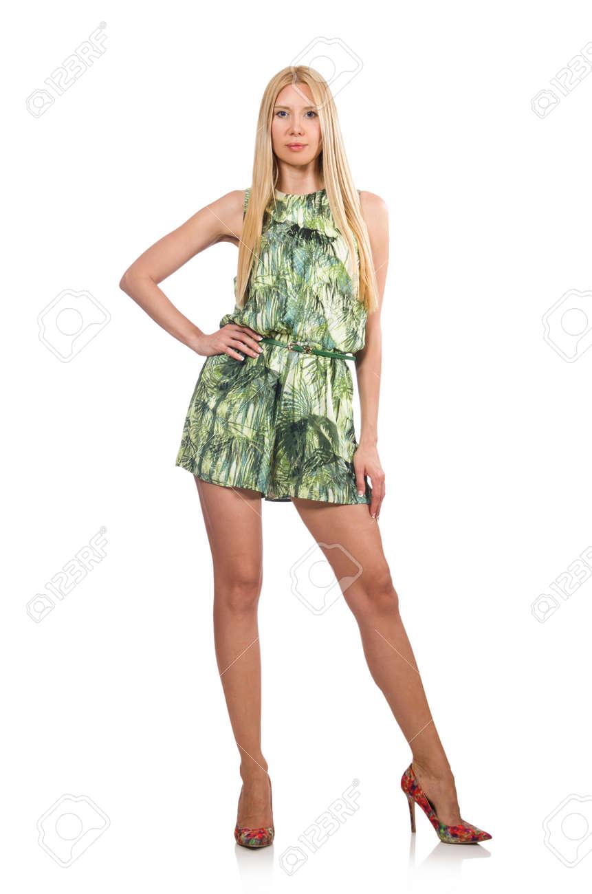 blonde haare frau grün kurze kleid isoliert auf weiß