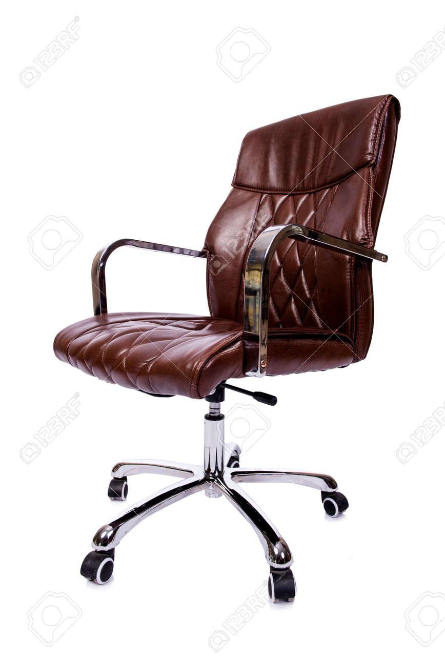Goede Bruin Lederen Bureaustoel Op Wit Wordt Geïsoleerd Royalty-Vrije KH-65