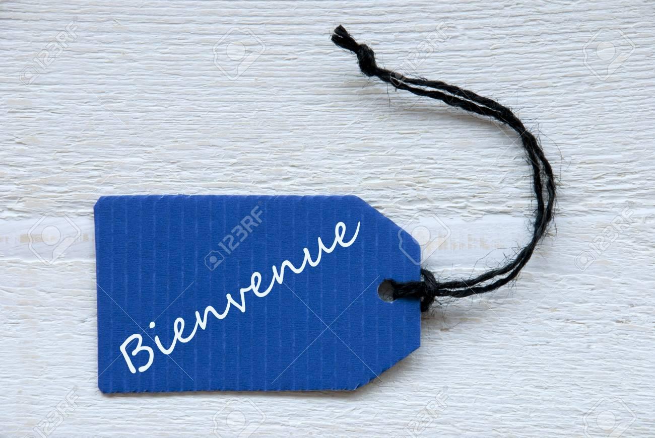 Blue Label Oder Tag Mit Schwarz Band Auf Weißem Holzuntergrund Mit