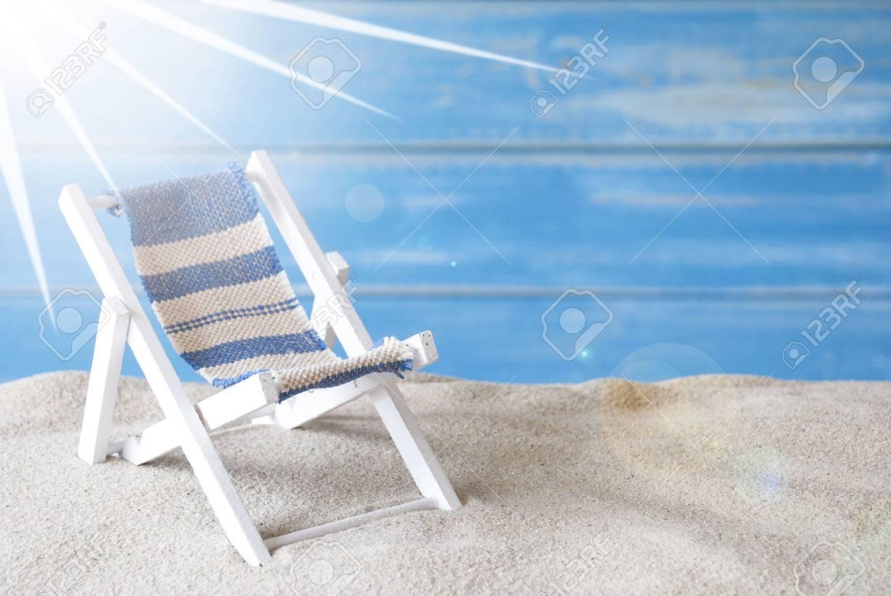 Tiquette VacancesFond Bois En Les BleuCarte Salutations Vacances À Bonnes Texte Schoenen D'été Avec Urlaub Allemand De Le Signifie 3jR5qA4L