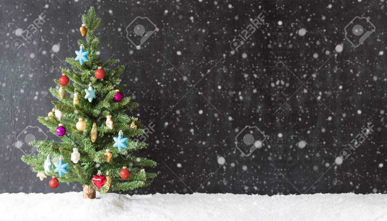 Schwarzer Weihnachtsbaum.Stock Photo