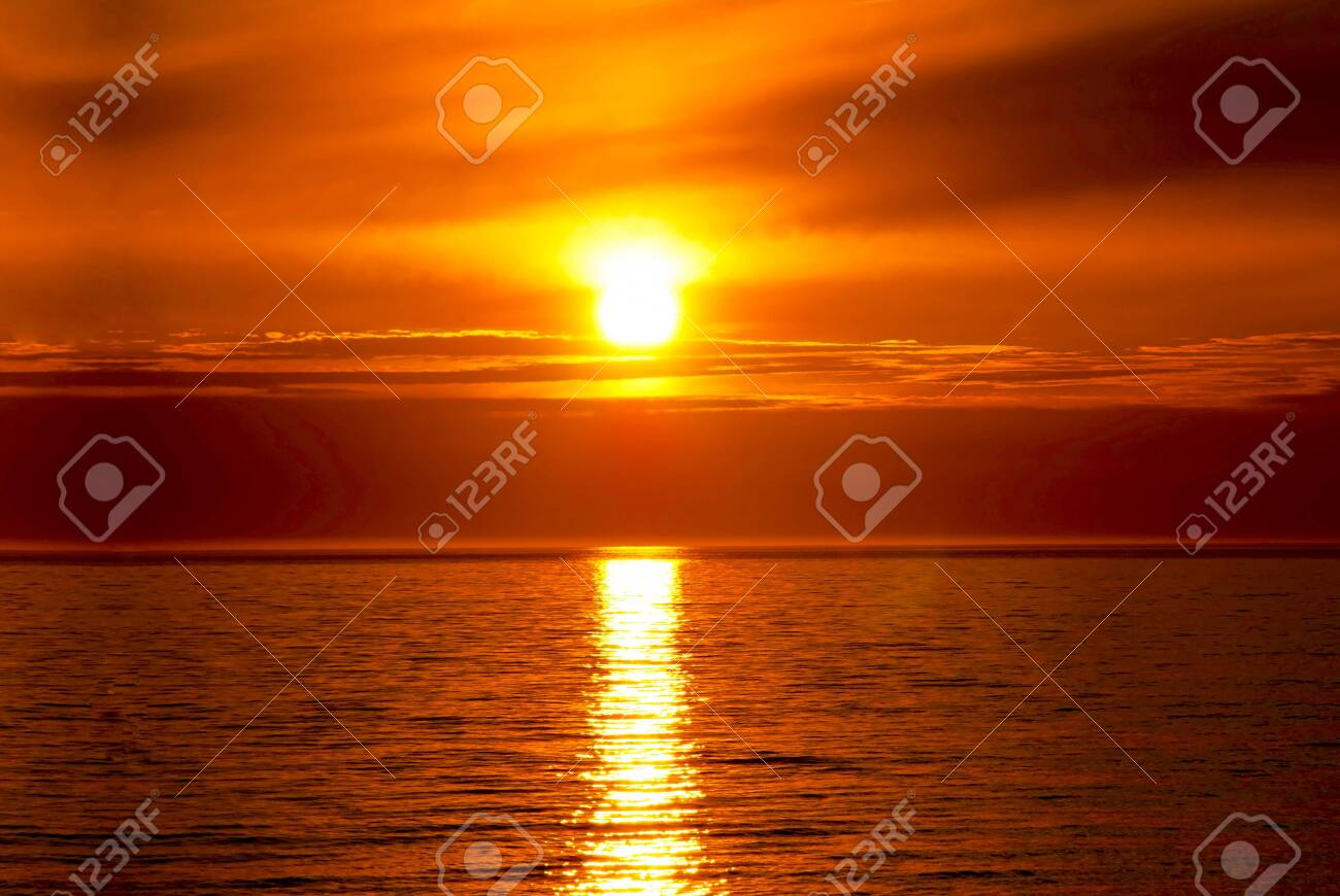 Romantic Ocean Sunset Beautiful Scenery And Landscape Stock Photo Picture And Royalty Free Image Image 148687777 2020 popular 1 trends in home & garden, cellphones & telecommunications, jewelry & accessories, women's clothing with ocean wave sunset and 1. 123rf com