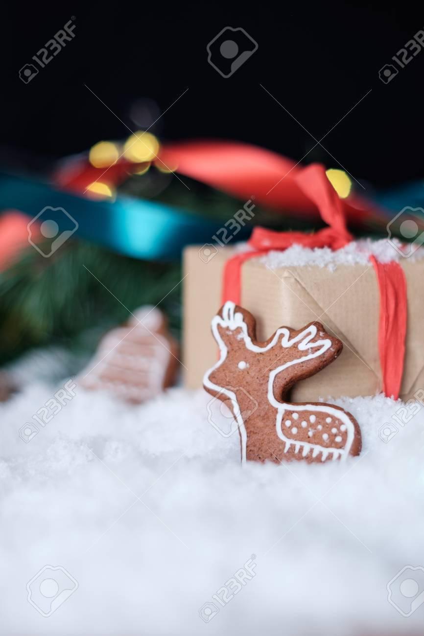 Weihnachtsgeschenk Geschenke Mit Tannenzweigen Und Hausgemachte ...