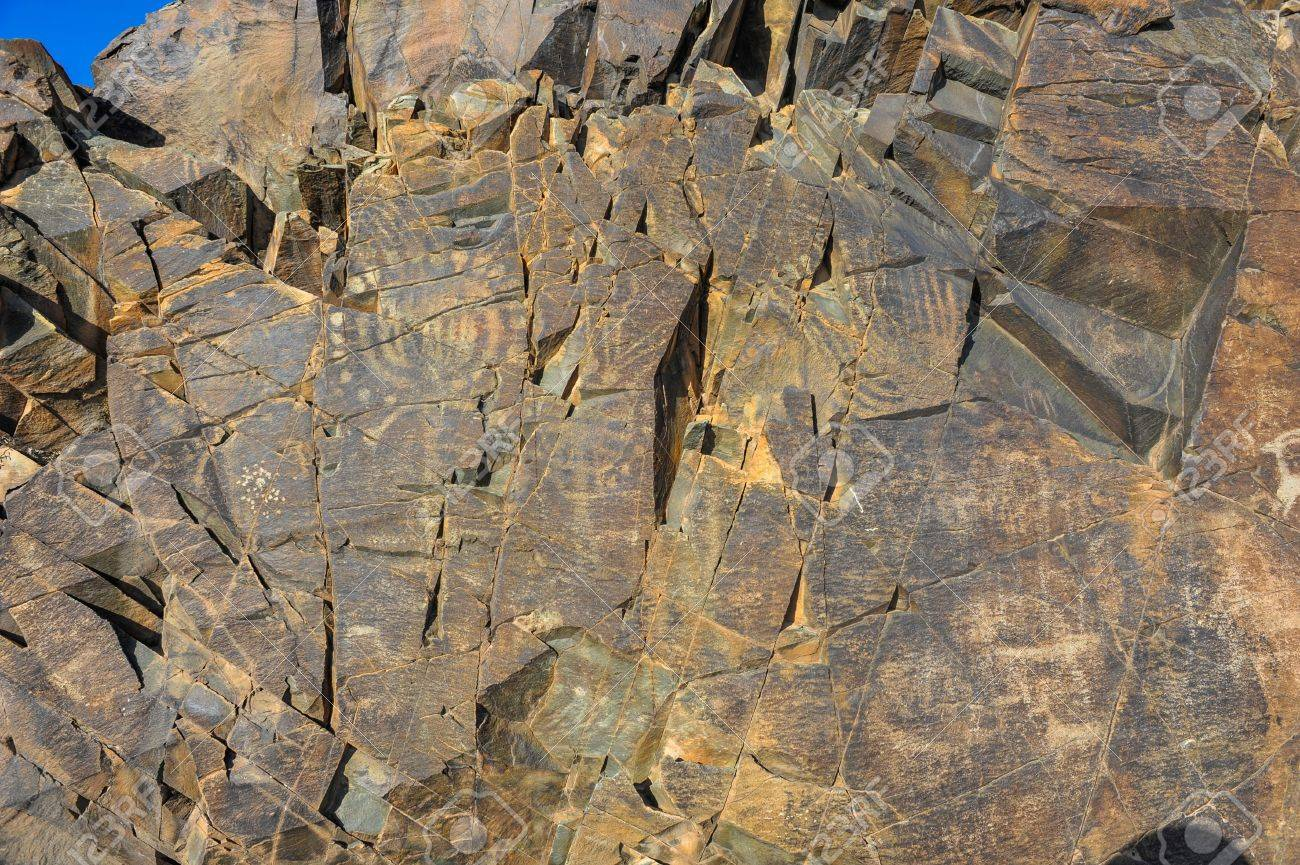 タムガリは、カザフスタンの石の...