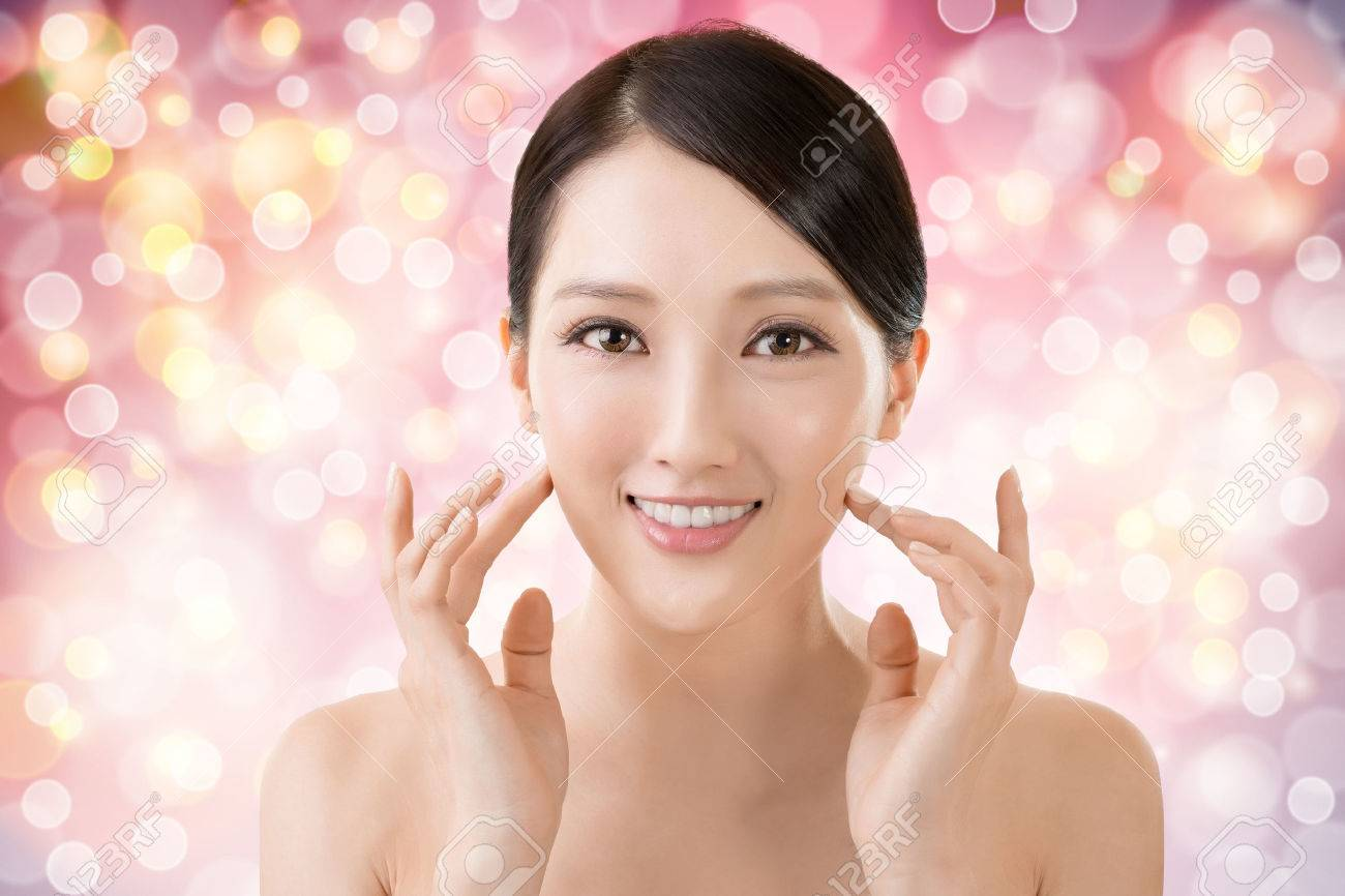 Asian beauty face closeup portrait with clean and fresh elegant lady. Stock Photo - 42808325