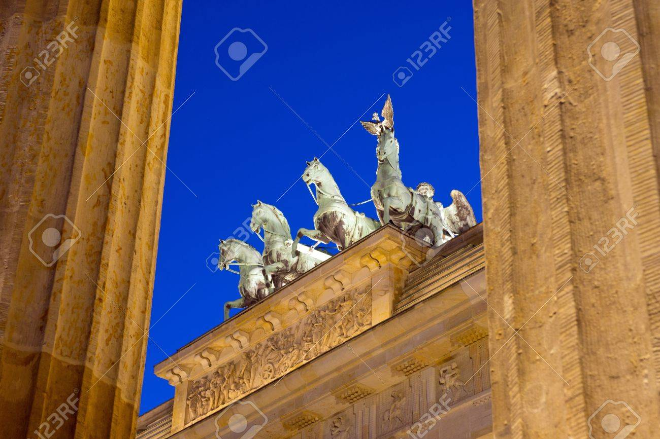 Different view of Berlins Brandenburger Tor Stock Photo - 12871012