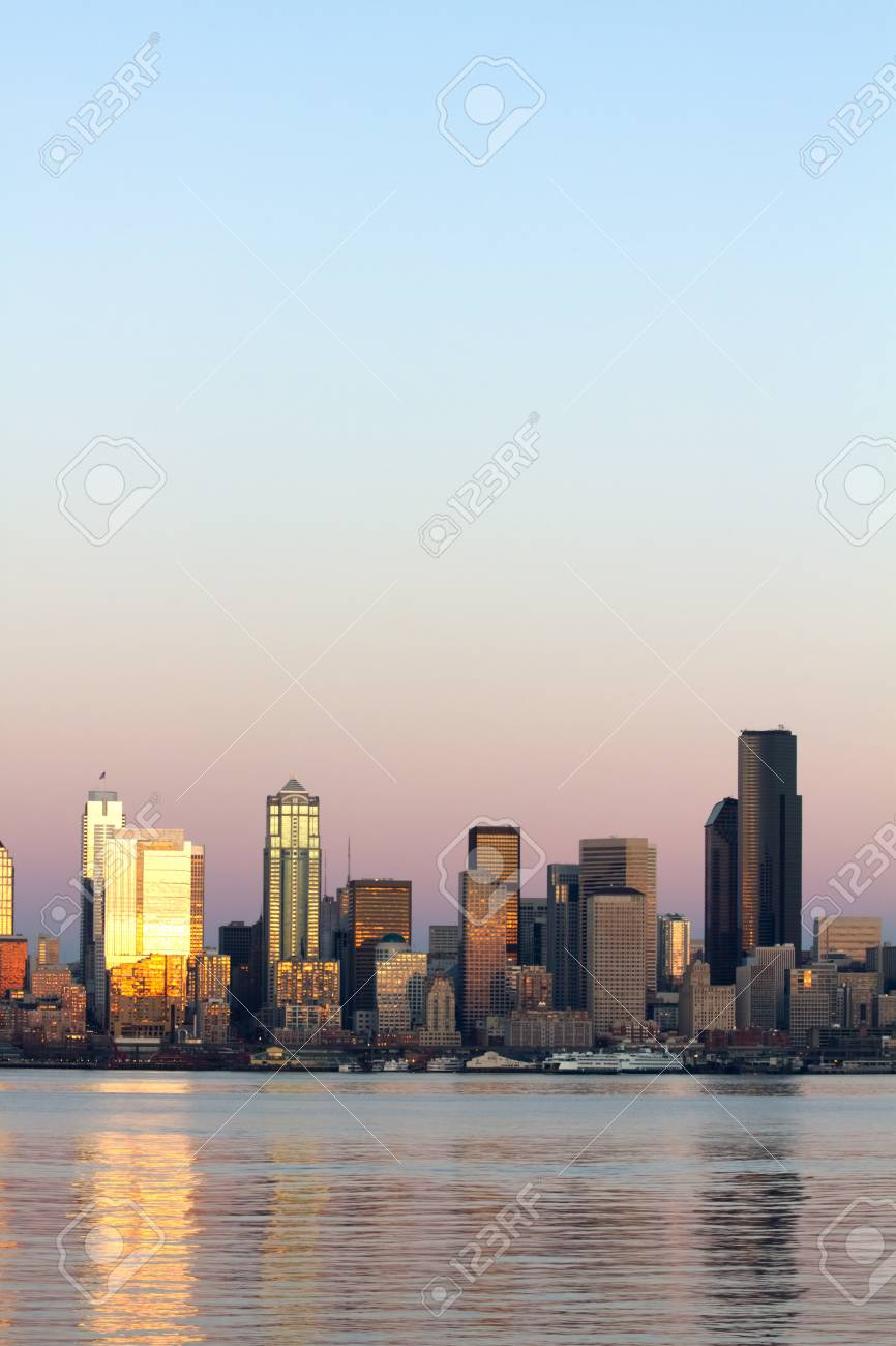 Scenic view of Puget Sound and downtown Seattle, Washington. Stock Photo - 8549011