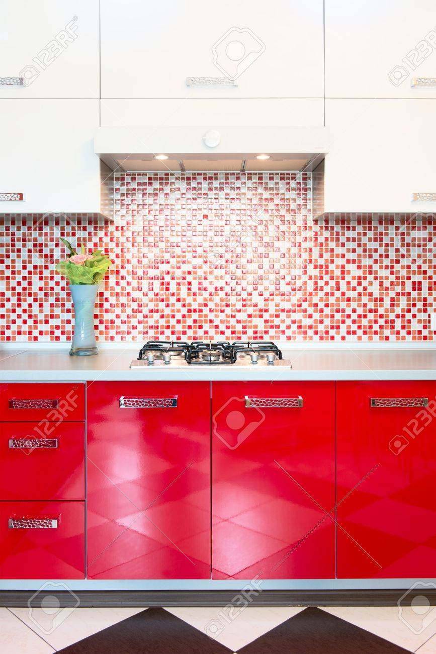 Stunning Piastrelle Cucina Rosse Ideas - Embercreative.us ...