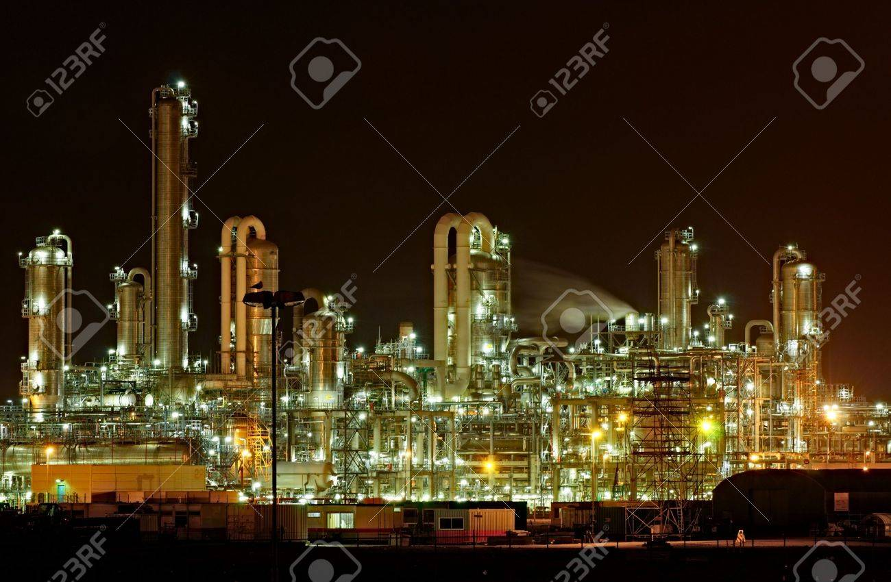 Chemical production facility at night - 3125001