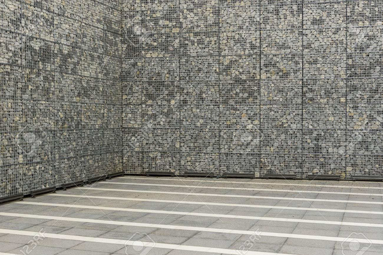 gran muro de gaviones foto de archivo