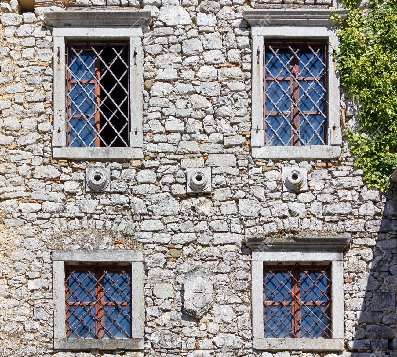 Resultado de imagen para Fachada medieval