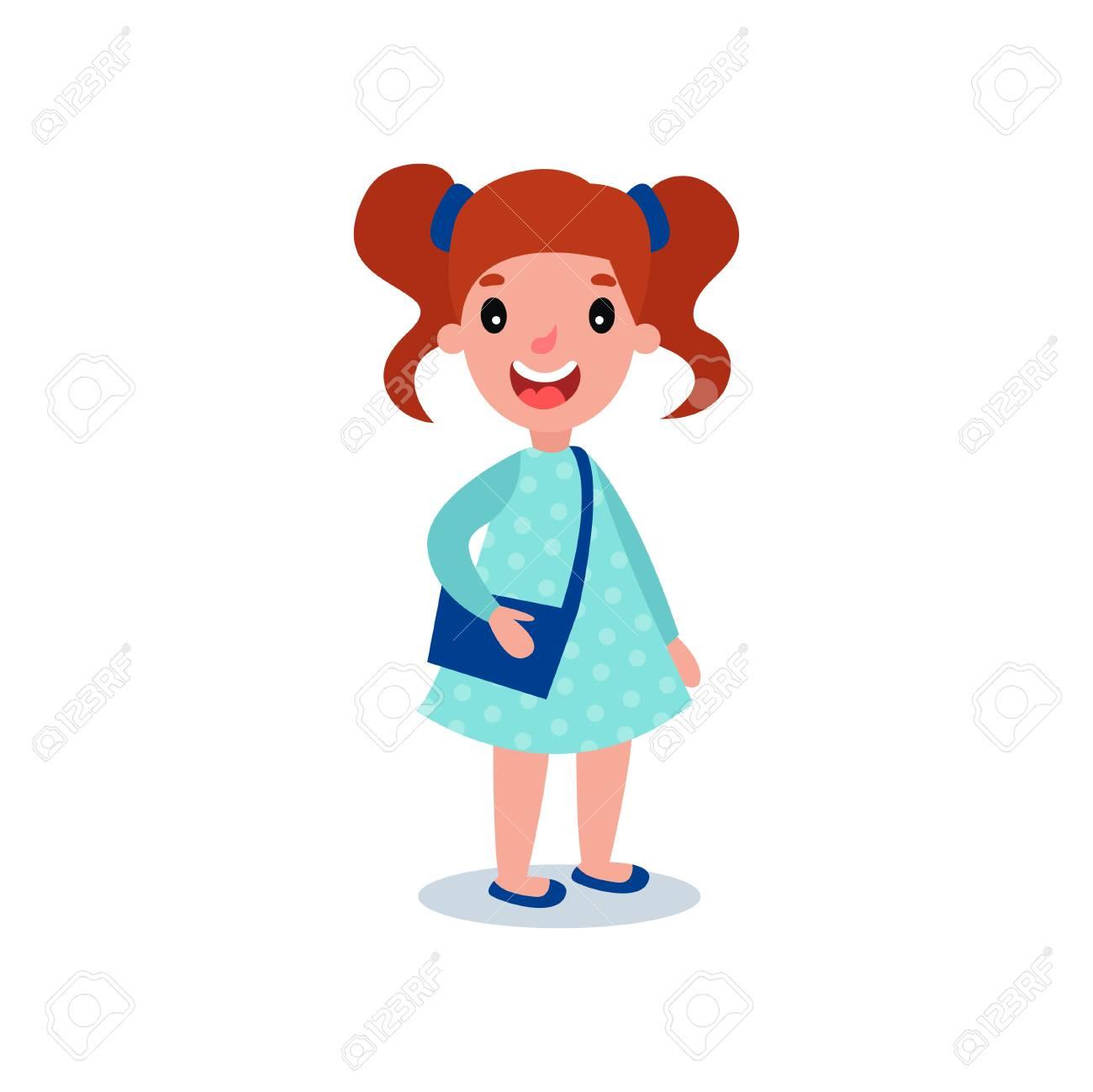 Petite Fille Brune En Tenue Décontractée Robe Bleue à Pois Et Sac à Main Personnage De Dessin Animé Avec Expression Du Visage Heureux Et Tresses