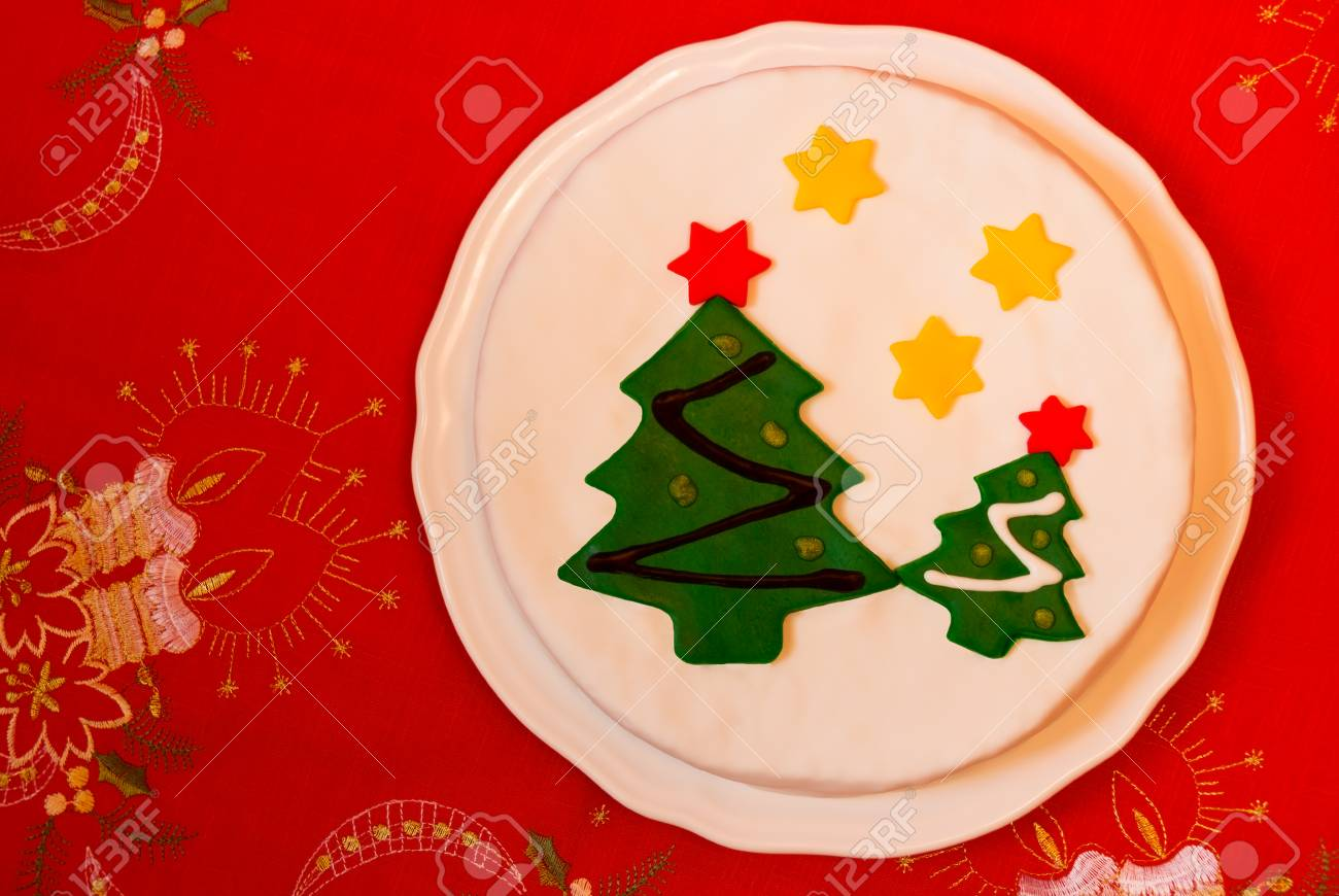 Pastel De Navidad Decorado Con Fondant Arbol De Navidad En Rojo