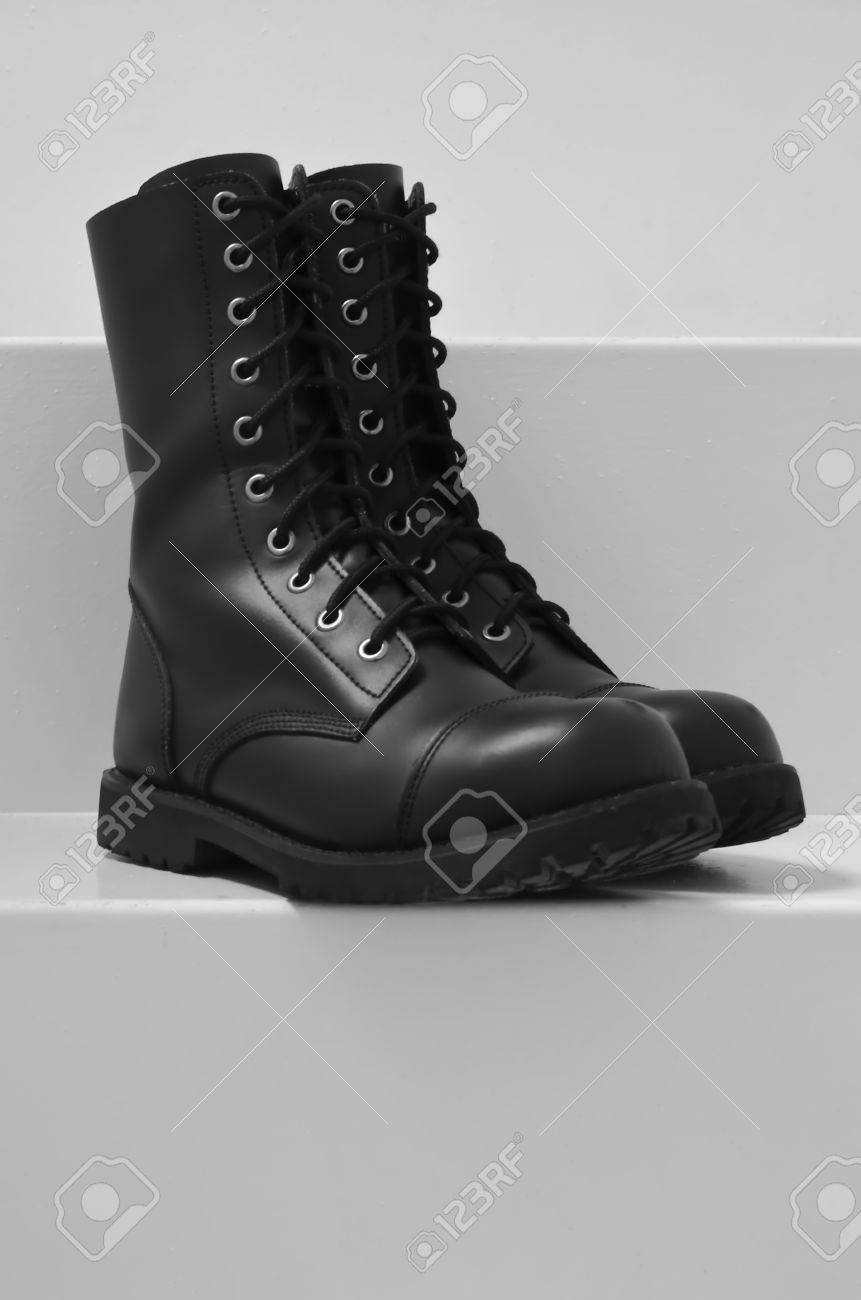 military shoes Stock Photo - 17595115