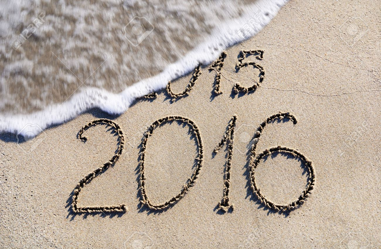 http://previews.123rf.com/images/emprize/emprize1401/emprize140100109/24917288-Feliz-A-o-Nuevo-2016-en-lugar-de-2015-el-concepto-de-la-playa-del-mar-Foto-de-archivo.jpg
