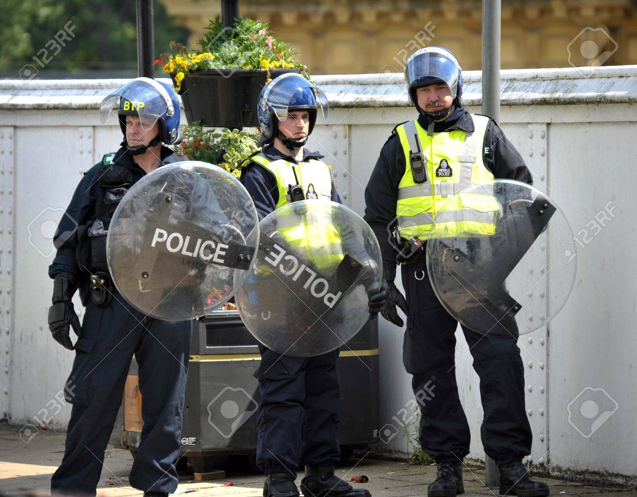 Riot police preparing for trouble at an EDL Demonstration Stock Photo - 11542653