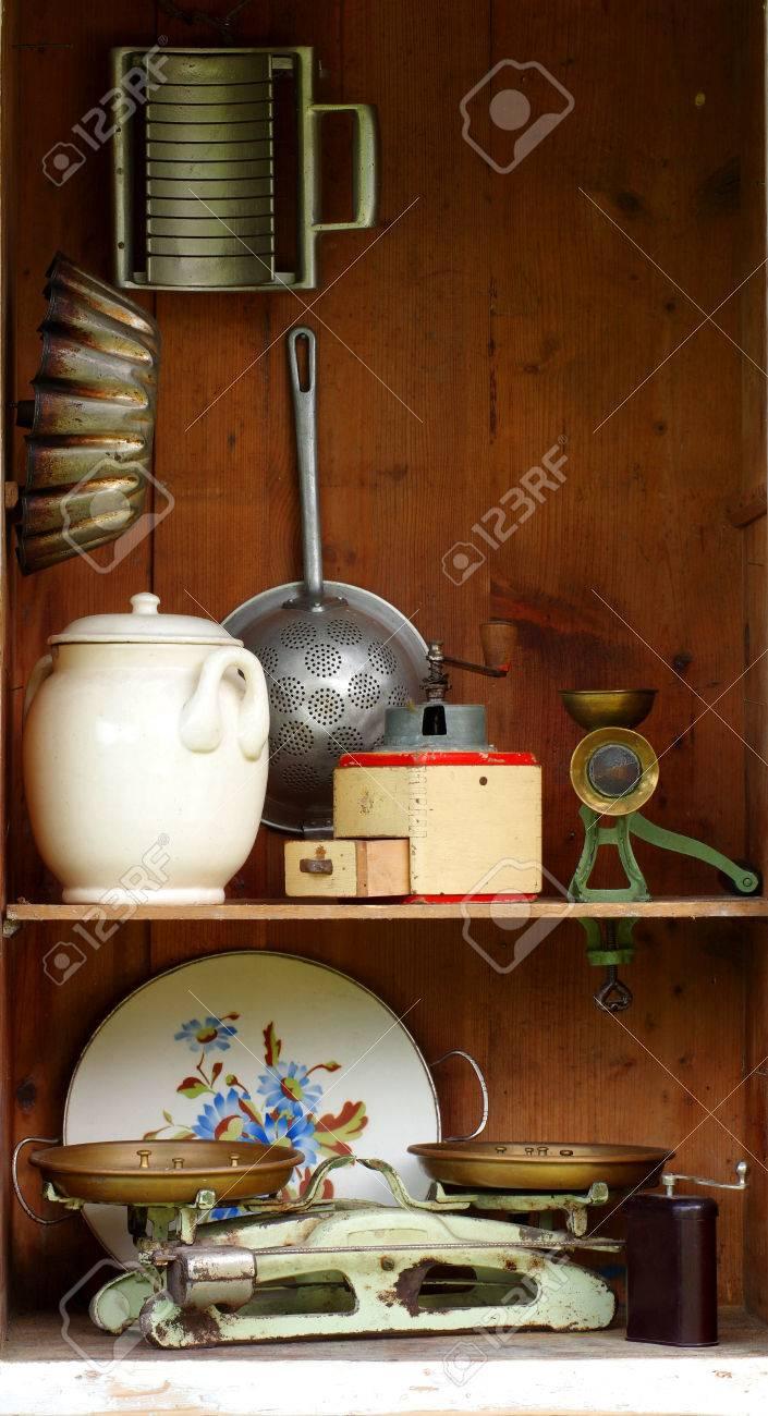 Vintage-Küchengeräte Lizenzfreie Fotos, Bilder Und Stock Fotografie ...