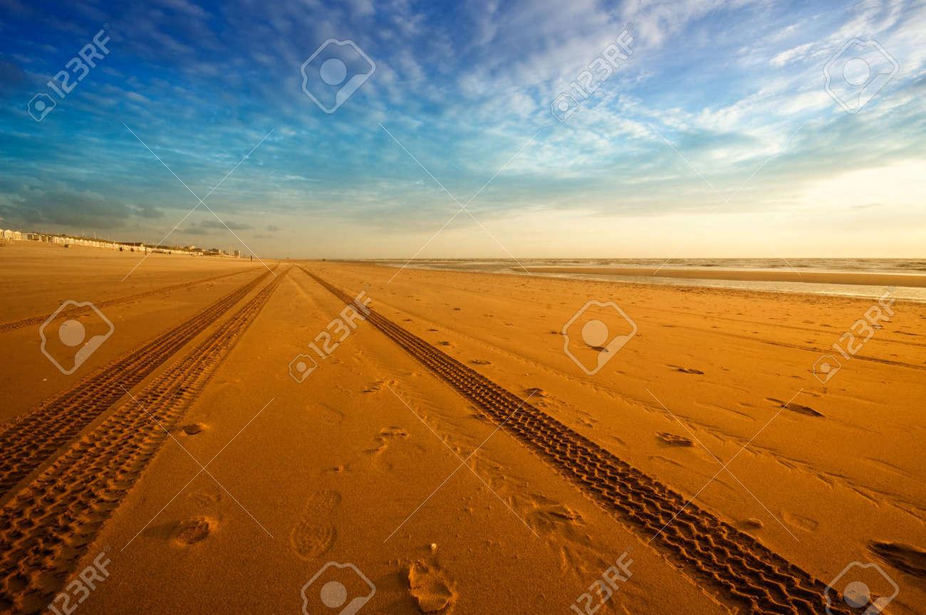 tire tracks on the beach Stock Photo - 3277176