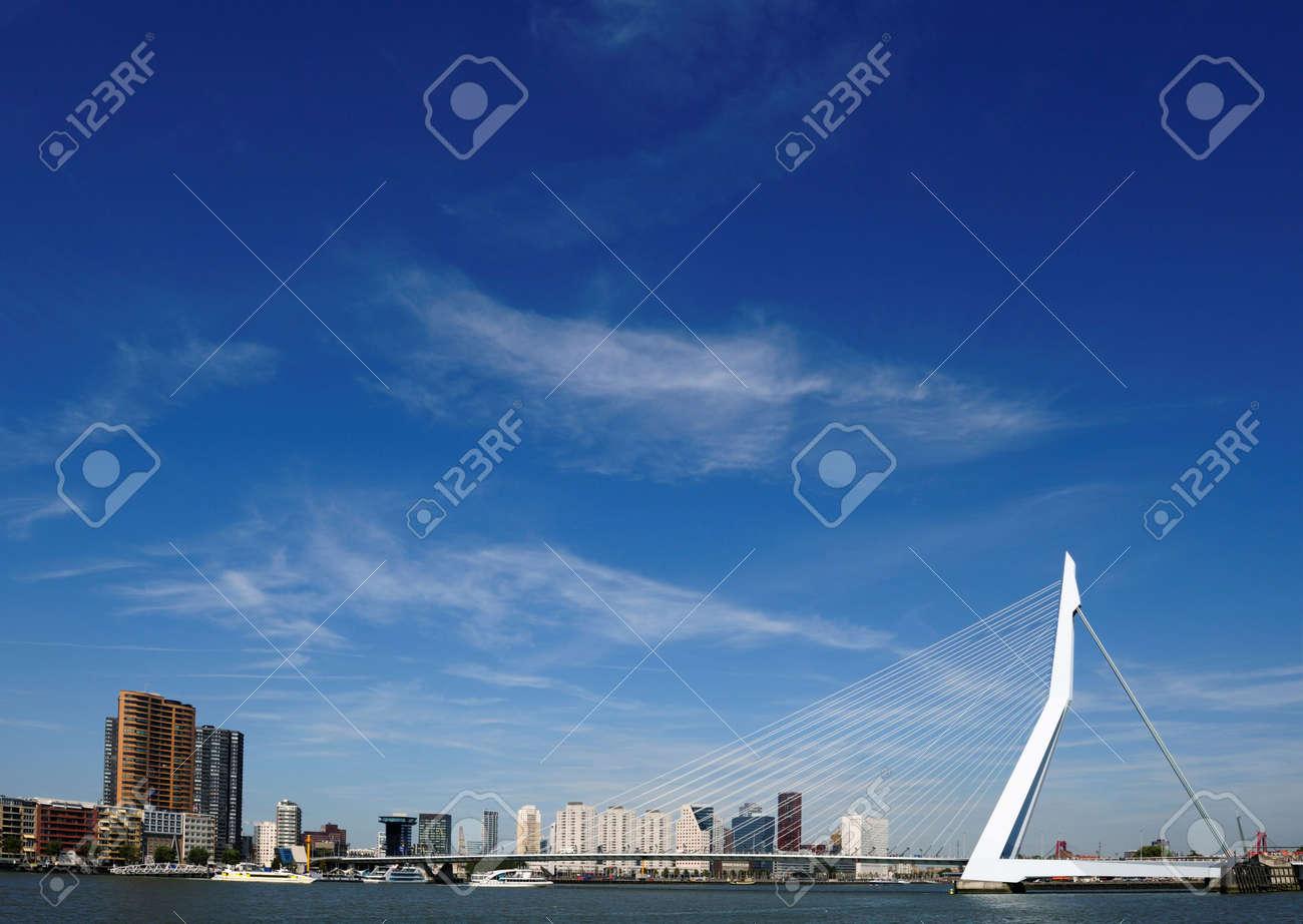 Erasmus bridge in Rotterdam the Netherlands, Europe Standard-Bild - 5522176