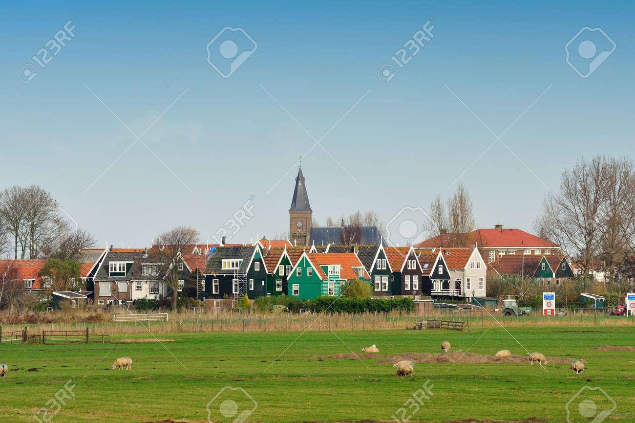 Marken a small village near Amsterdam in The Netherlands Standard-Bild - 5936158