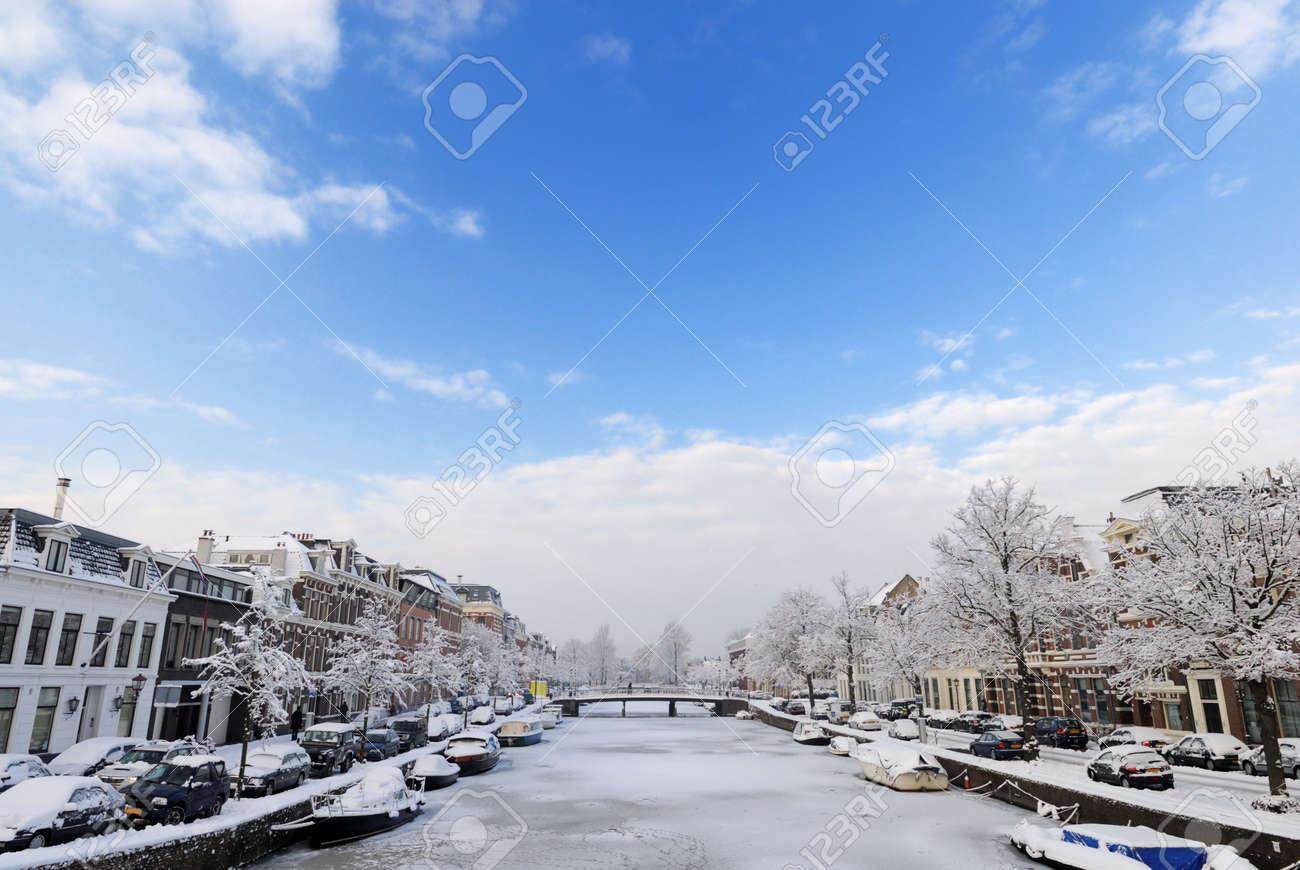 Winter in the Netherlands ( Haarlem Nieuwe gracht) Stock Photo - 6228007