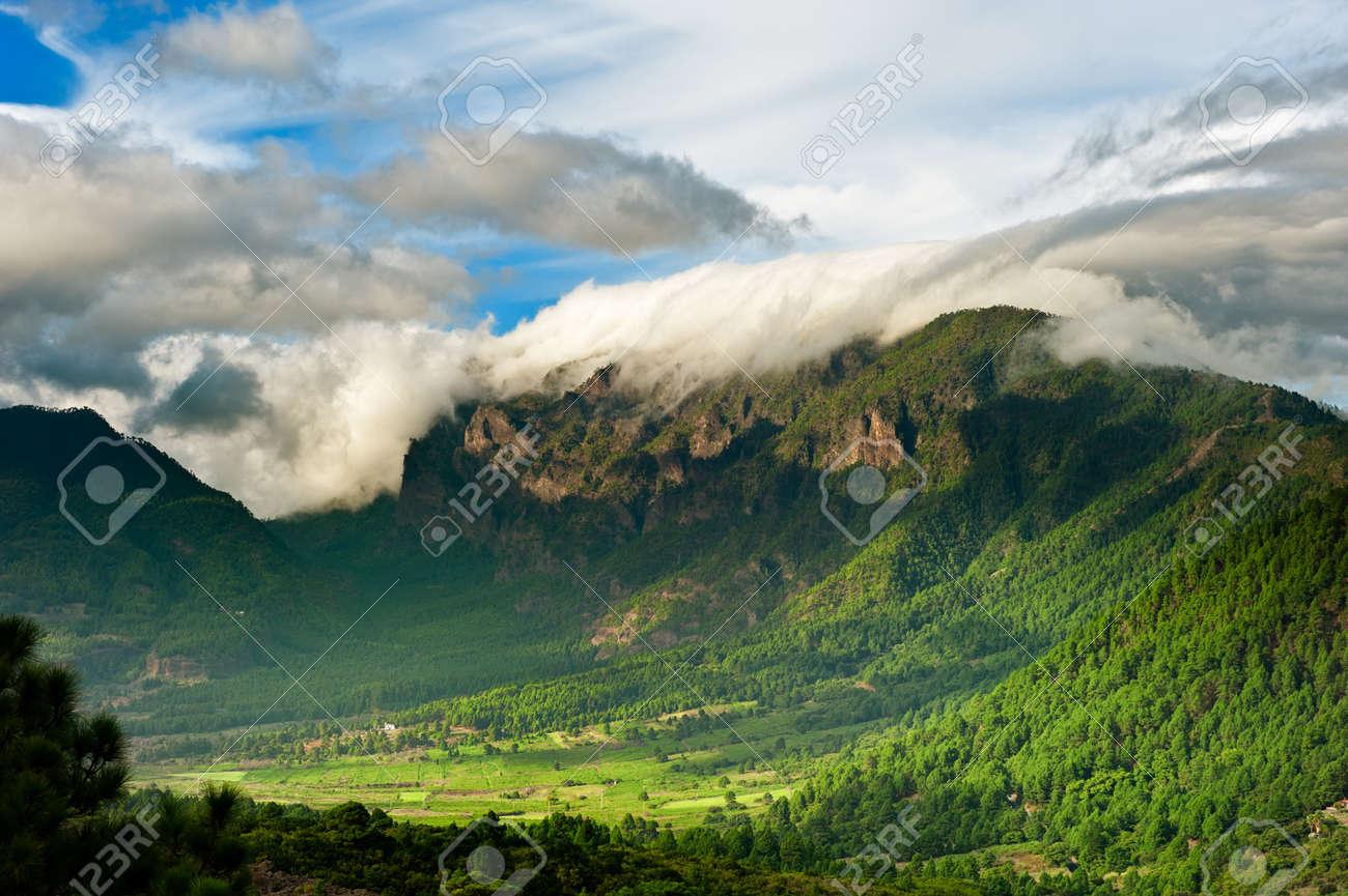 Beautiful landscape of the mountains in La Palma, Canary Islands, Spain Standard-Bild - 8367903
