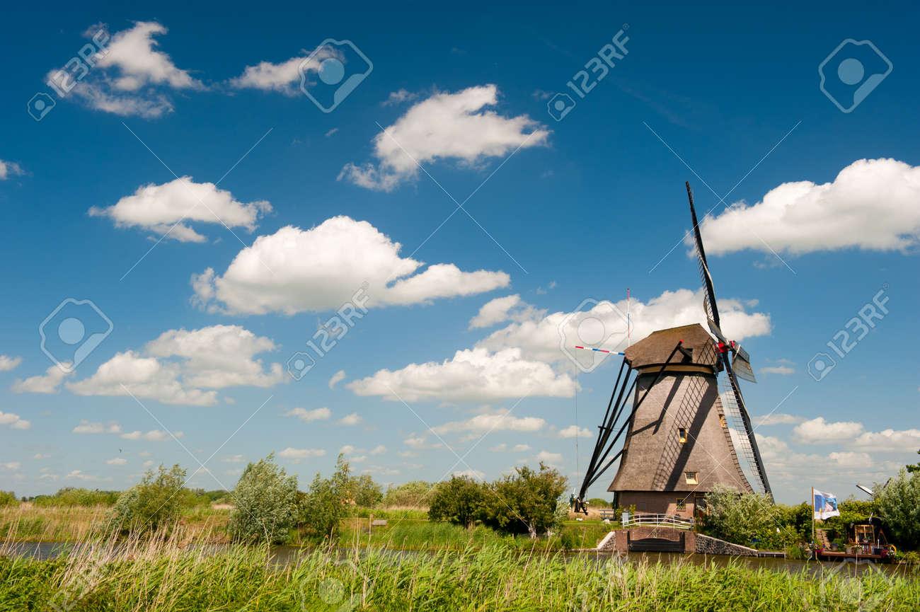 Windmill landscape at Kinderdijk near Rotterdam The Netherlands Stock Photo - 9751004