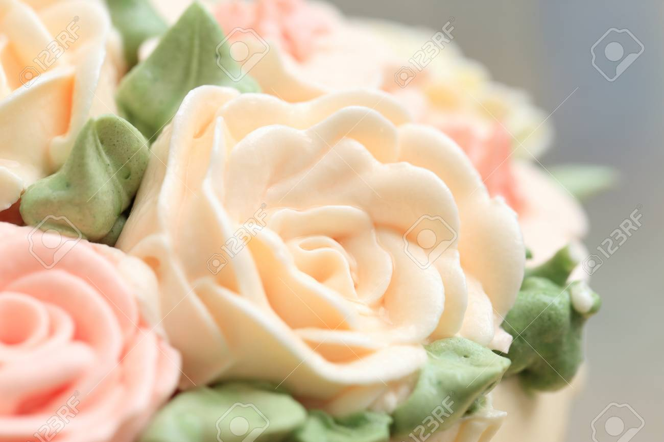 Fabulous Close Up Of Flowers Made From Cream On Wedding Or Birthday Cake Funny Birthday Cards Online Alyptdamsfinfo