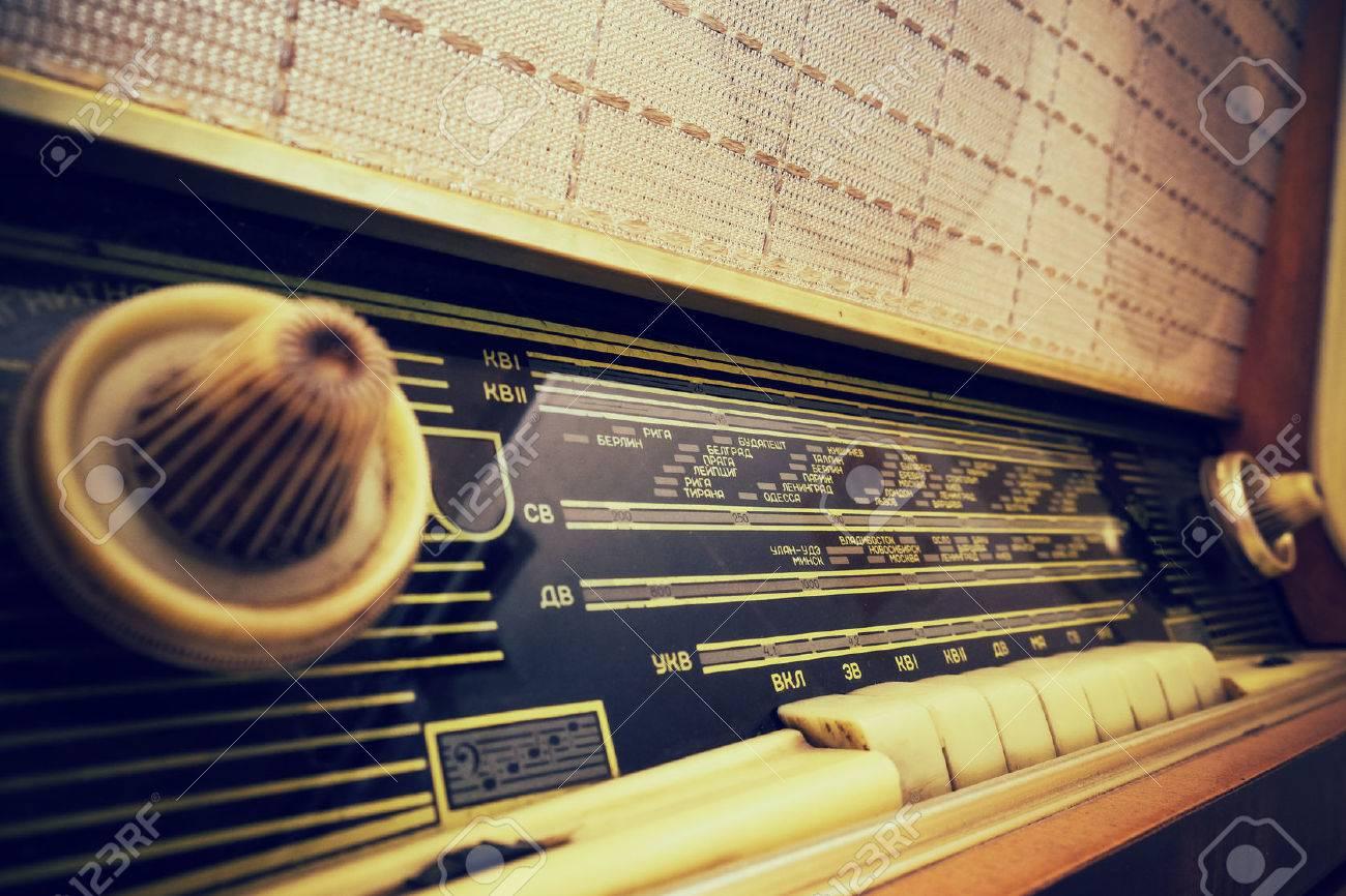 Old radio - 42315455