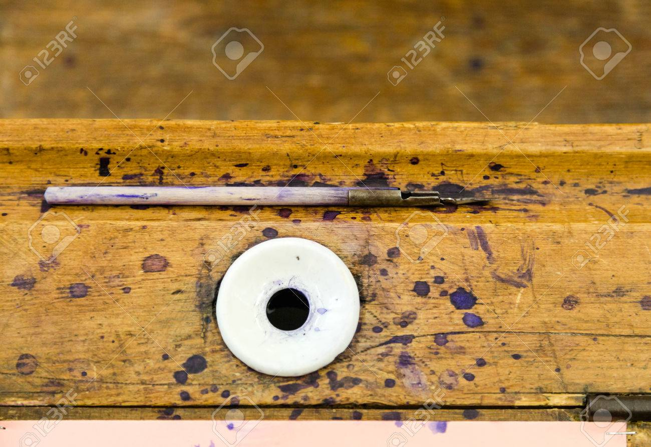78521435-old-simple-vintage-wooden-fount