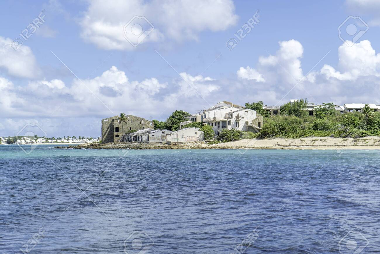Scenic view of la belle creole on the Caribbean island of st.maarten/st.martin - 152079553