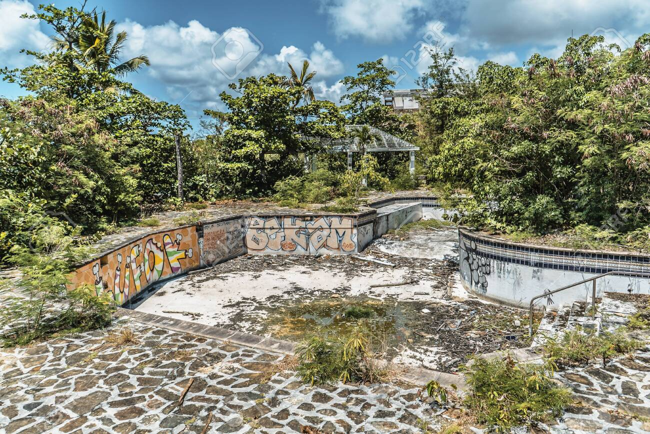 Hurricane causes damages to La belle creole building in the caribbean island of st.martin. - 152054307