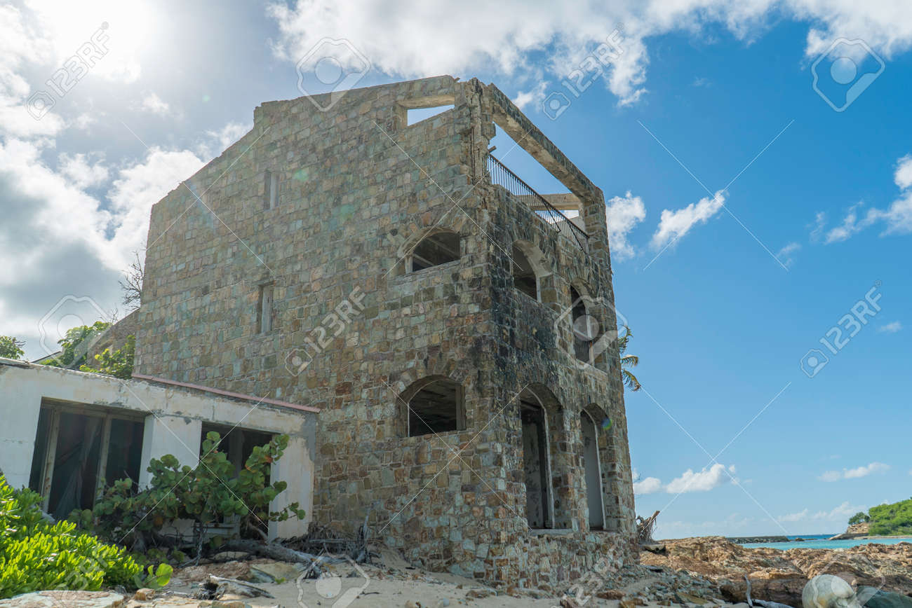 Hurricane causes damages to La belle creole building in the caribbean island of st.martin. - 152079990
